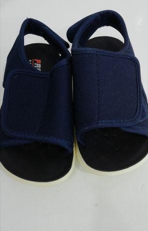Sandalute și teniși copii