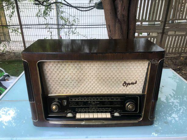 Radio pe  lampi  Telefunken Opus  6  Hi-Fi   Licensed  by  Armstrong