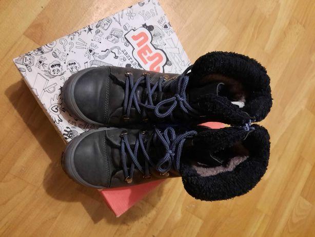 Продам зимние ботинки подростковые