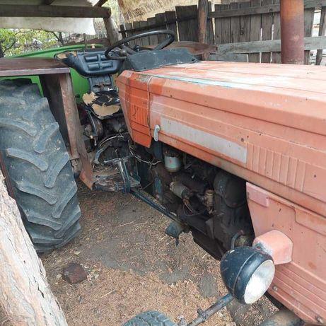 Vand tractor UTB 445