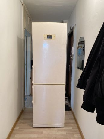 LG no frost 2 метра холодильник!Отличное состояние!