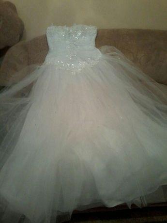 Продам свадебное платье,б/у, р-р 46-48 или напрокат