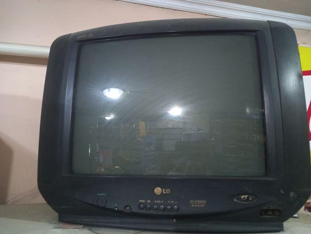 Телевизор LG, рабочий