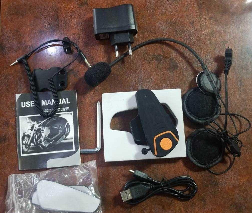 Motocicleta interfon casca  Bluetooth Handsfree impermeabil Radio Fm