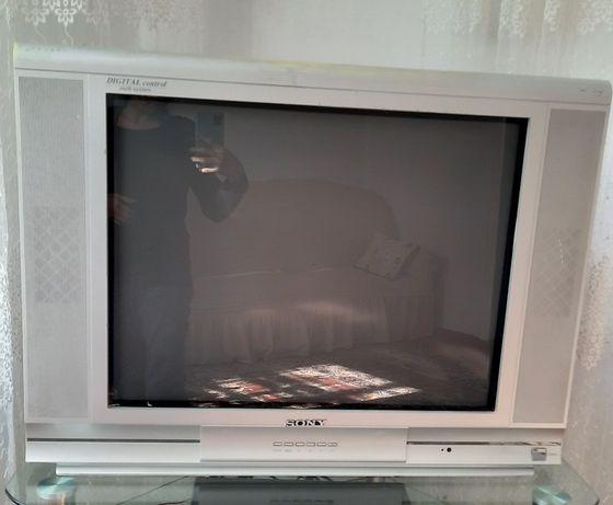 Продам телевизор в рабочем состояние