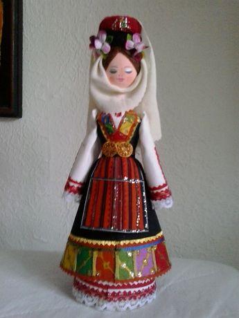 Битови кукли и сувенири