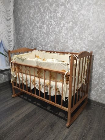 Кроватка детская с подарком