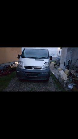 Dezmembrez Renault Trafic