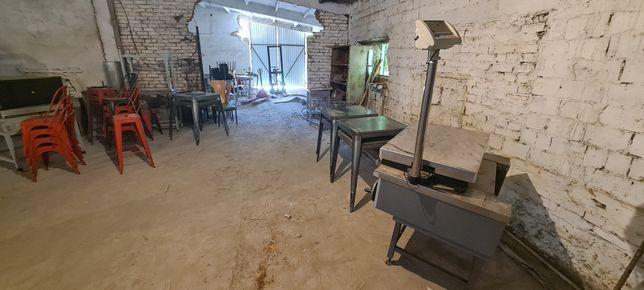 Оборудования, пицца печь,  , весы, столы стулья металл,  холодильник и