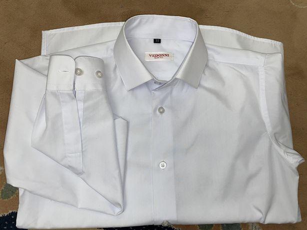 Школьная новая белая рубашка на мальчика