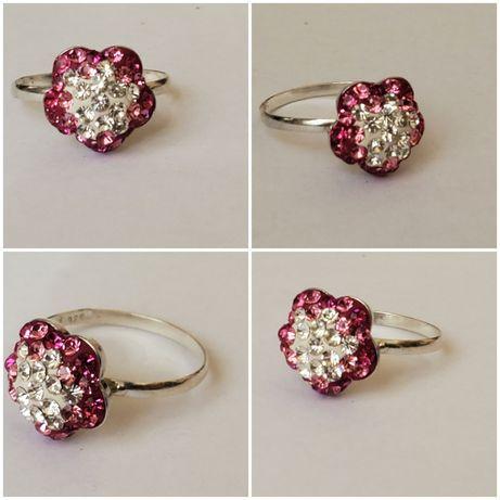 S 67, inel argint 925  nou si marcat, model floare, cristale swarovsky