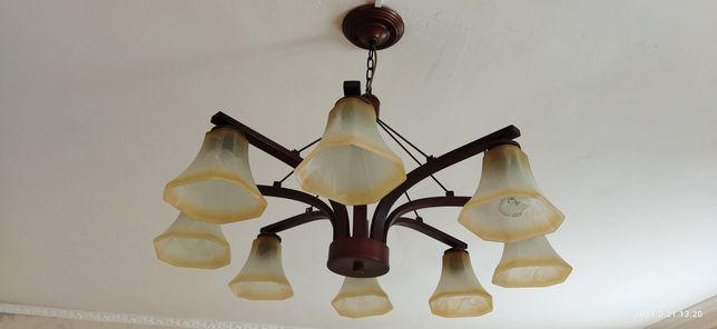 Продам люстру 8 ламповый можно обмен