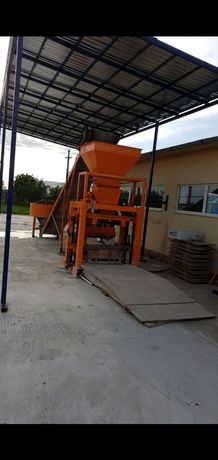 OCAZIE linie productie boltari din beton , vibropresa !