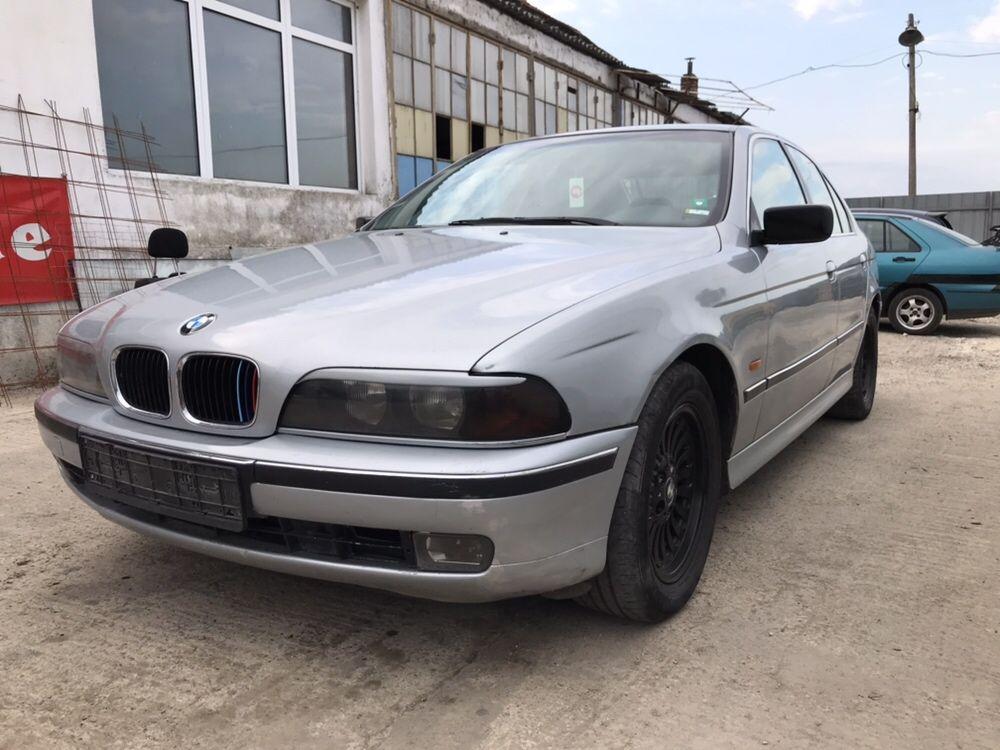 BMW e39 520i 1997 На Части
