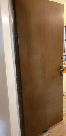 Железный двер