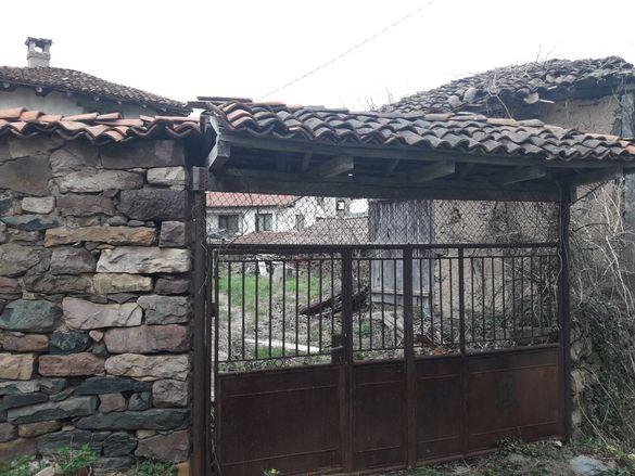 Къща с. Радотина