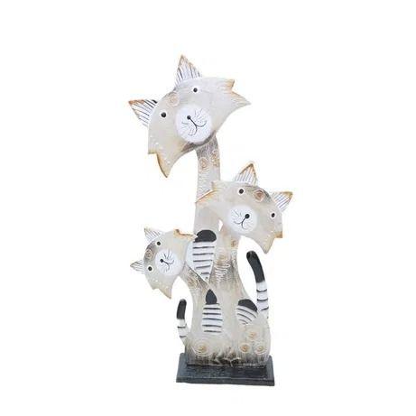 Statueta 3 pisici din lemn, pe postament