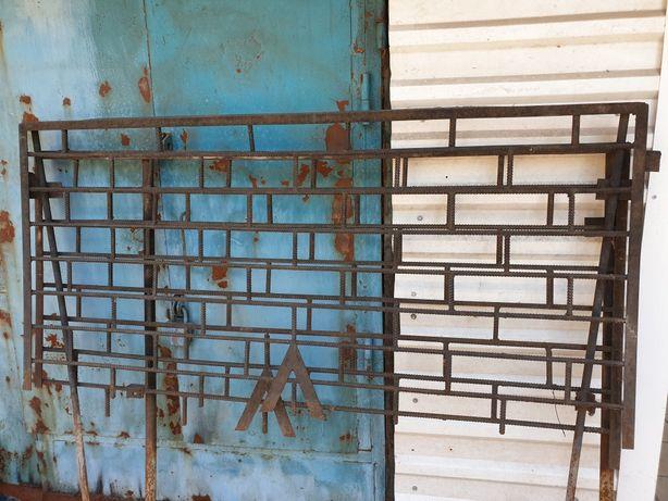 Продам ограду железную!