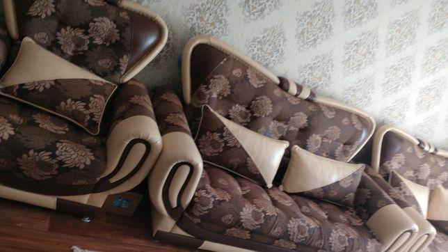 Продам отличную диван 3+1.