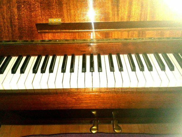 vand pianina Ucraina