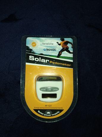 Pedometru cu încărcare solară