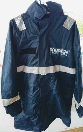 Vand haina si pantaloni pompieri, bocanci