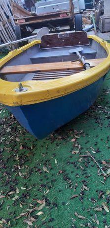 Рибарска лодка с двигател Honda