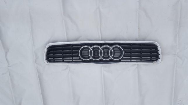 Grilă centrală Audi A4