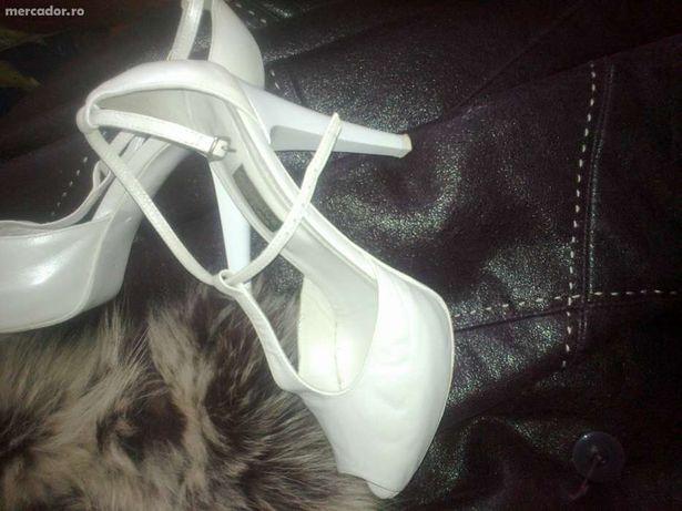 Vand pantofi/ sandale ocazie piele Italia pentru nunta