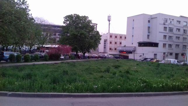 vând teren lângă Hotel City