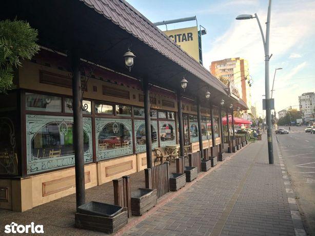 Langa McDonalds spatiu 198 mp, front stradal