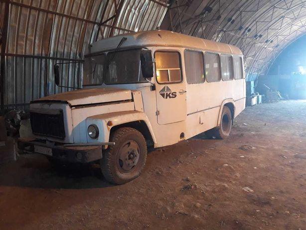 Продается КАВЗ автобус белого цвета