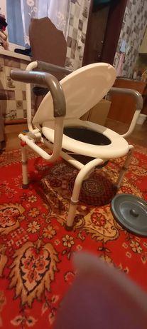 Кресло-туалет для инвалидов или пожилых людей