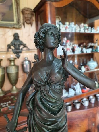 Statuetă Bronz *** vintage / antic / vechi / retro ***