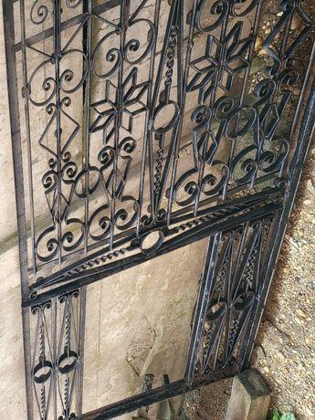 Vand porti vechi fier forjat