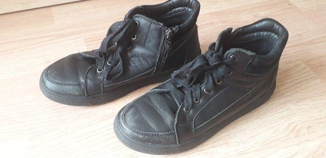 Продам Ботинки Кожанные на мальчика