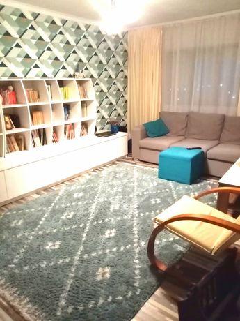 Apartament cu 3 camere, decomandat