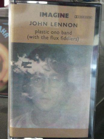Продавам оригинални нови касети със запис