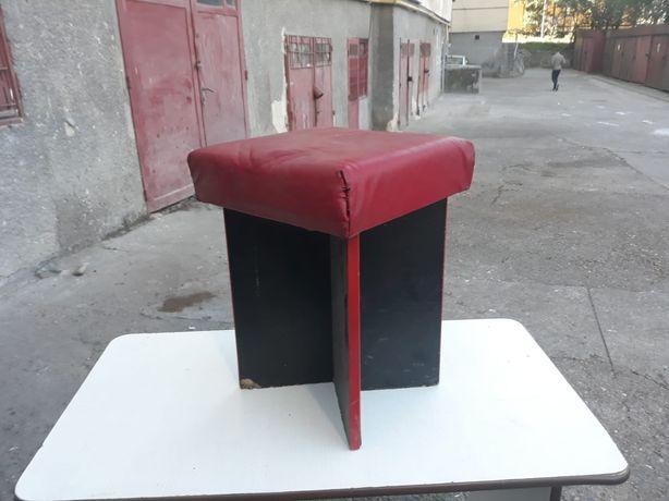Vand set 2 tabureti/scaune+masa