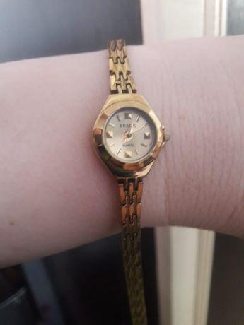 Продам часы женские под золото