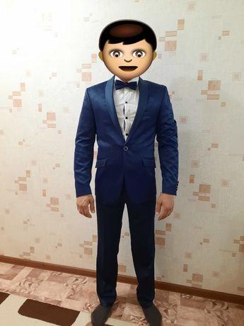 Продаю свадебный костюм