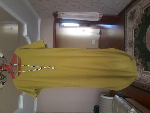Продам женское платье или обмен на бумагу А4 18 пачек.