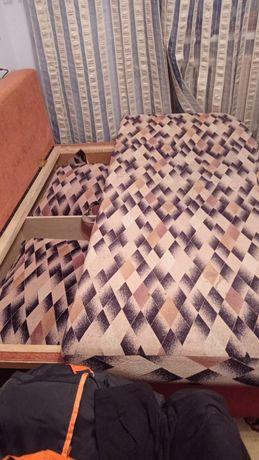 Мебель б/у в отличном состоянии стенка прихожая  спальный гарнитур