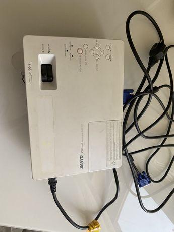 Продам проектор sanyo PLC-XW60