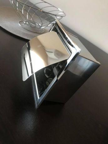 Конзола за тоалетна хартия