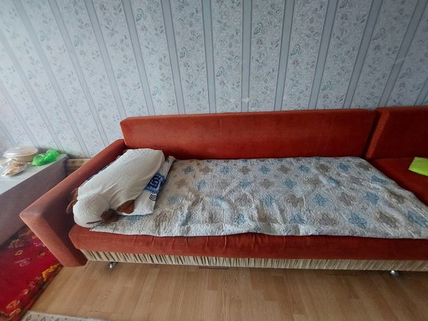 Продам диван из качественного материала. Для связи пишите сообщение.