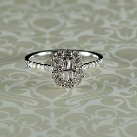 Inel cu diamante, aur alb 18k, 2,49 grame (cod 8248)