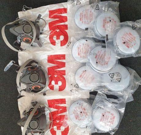 Masca 3M + Două seturi de filtre : praf fum chimicale mirosuri ,2138p3