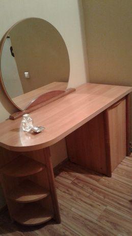 Туалетный стол. Производство Польша
