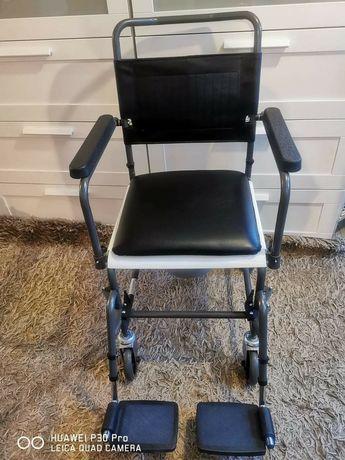 Комбиниран стол за баня и тоалетна